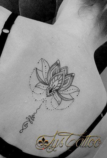 Tatouage Dos Femme Fleur De Lotus Unalome Etperles Tatouage