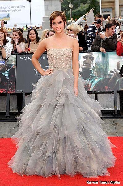 Emma Watson - Oscar de la Renta 2011.