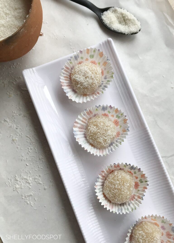 Malai Coconut Ladoo Coconut Ladoo Recipe Without Condensed Milk Shellyfoodspot Recipe In 2020 Coconut Ladoo Recipe Easy Indian Sweet Recipes Malai