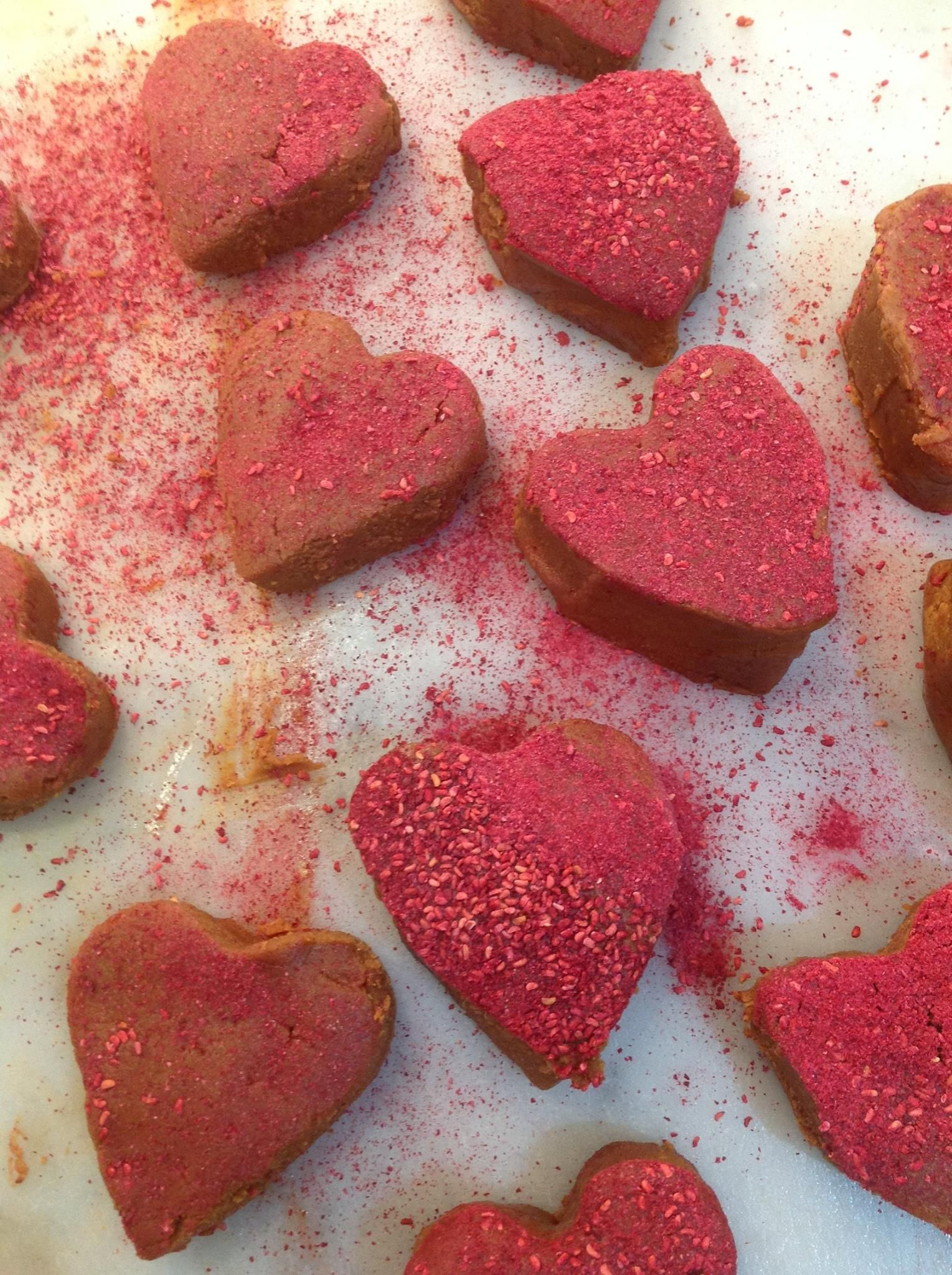 Strawberry and Cream hearts being made at Roly\'s Fudge Brighton ...