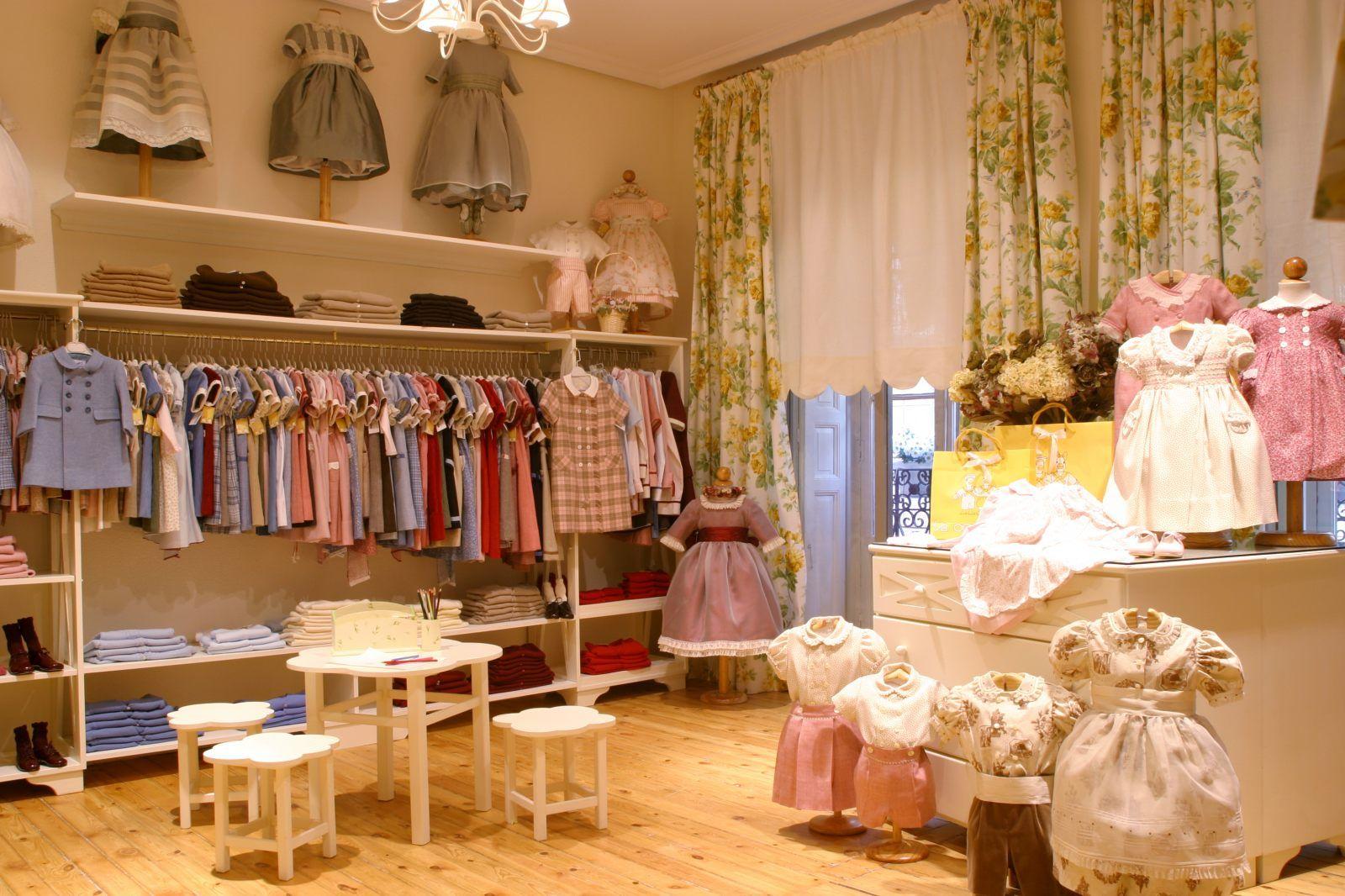 mejor servicio e7233 3ea26 Prensa La Oca Loca | bebe | Muebles para tienda, Ropa para ...