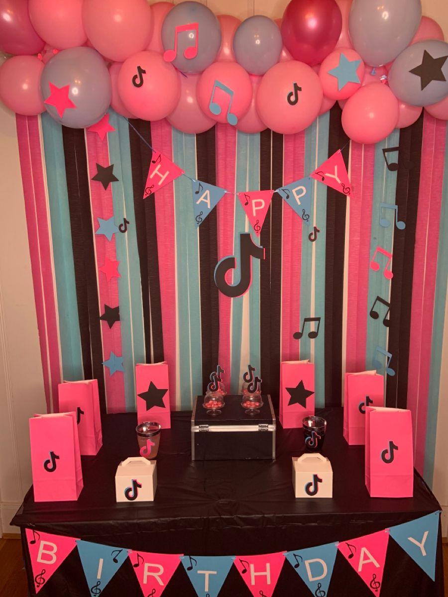 Tik Tok Party Ideas Diy Fiestas De Cumpleanos Del Gato Decoracion Salones De Fiesta Fiestas De Cumpleanos Para Adolescentes