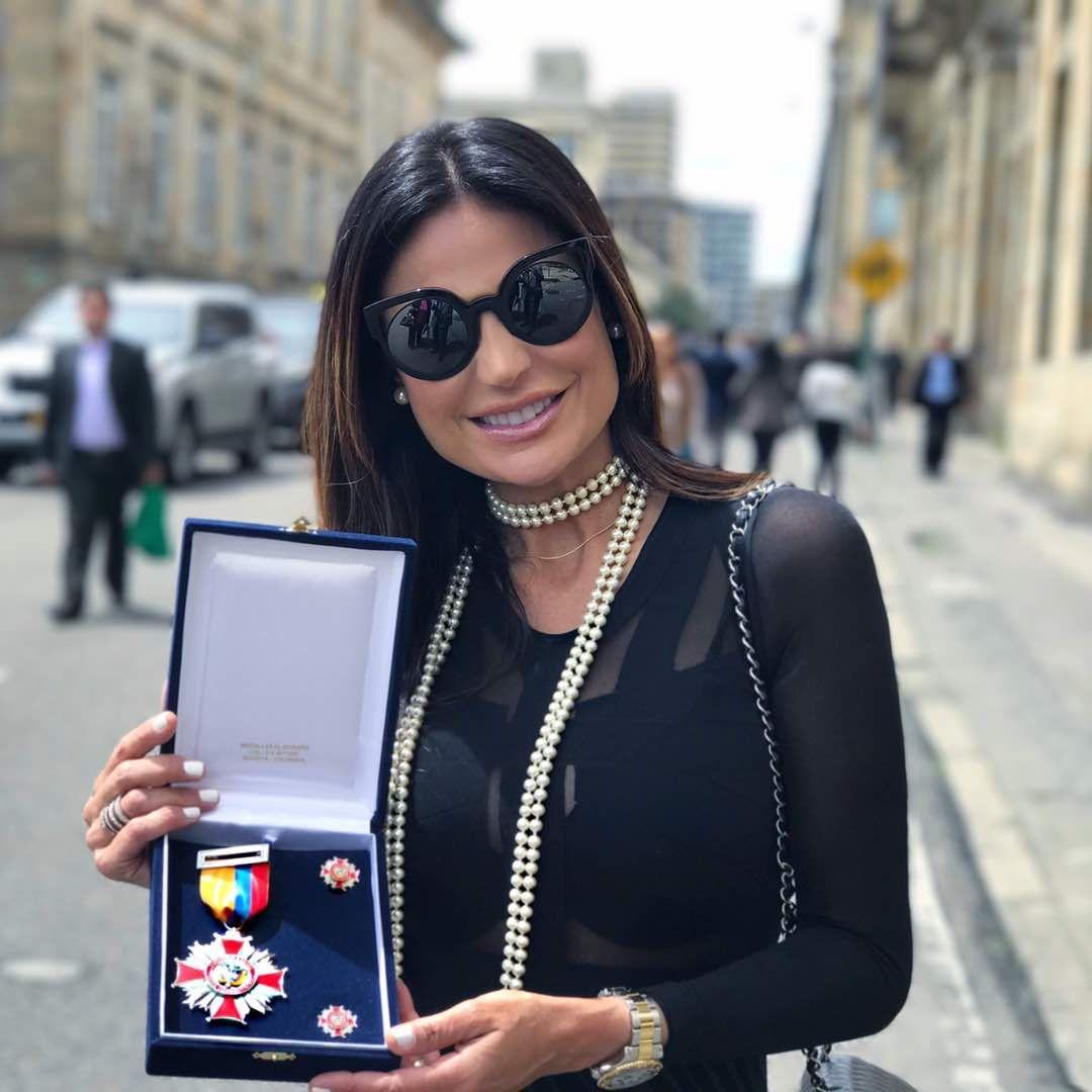 """Caterina Valentino fue condecorada en Colombia con la """"Orden Dignidad y Patria"""" - http://wp.me/p7GFvM-IpF"""