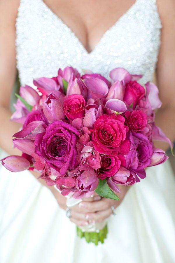 Buquê Bouquet Callas Tulipas Rosas Flor de lapela