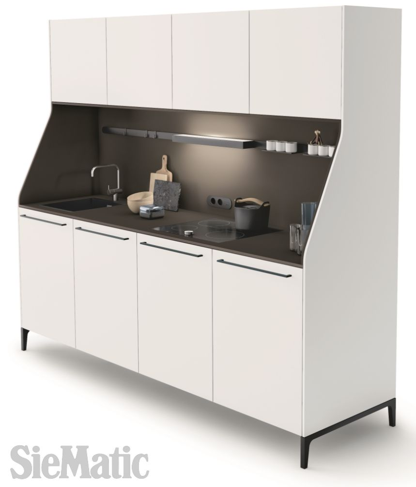 SieMatic 29 is the contemporary interpretation of the traditional kitchen buffet. The beveled, rounded side panels give it its unmistakable silhouette. Depending on the selection of colors and materials, the design of the niche can blend in harmoniously or form a striking contrast.