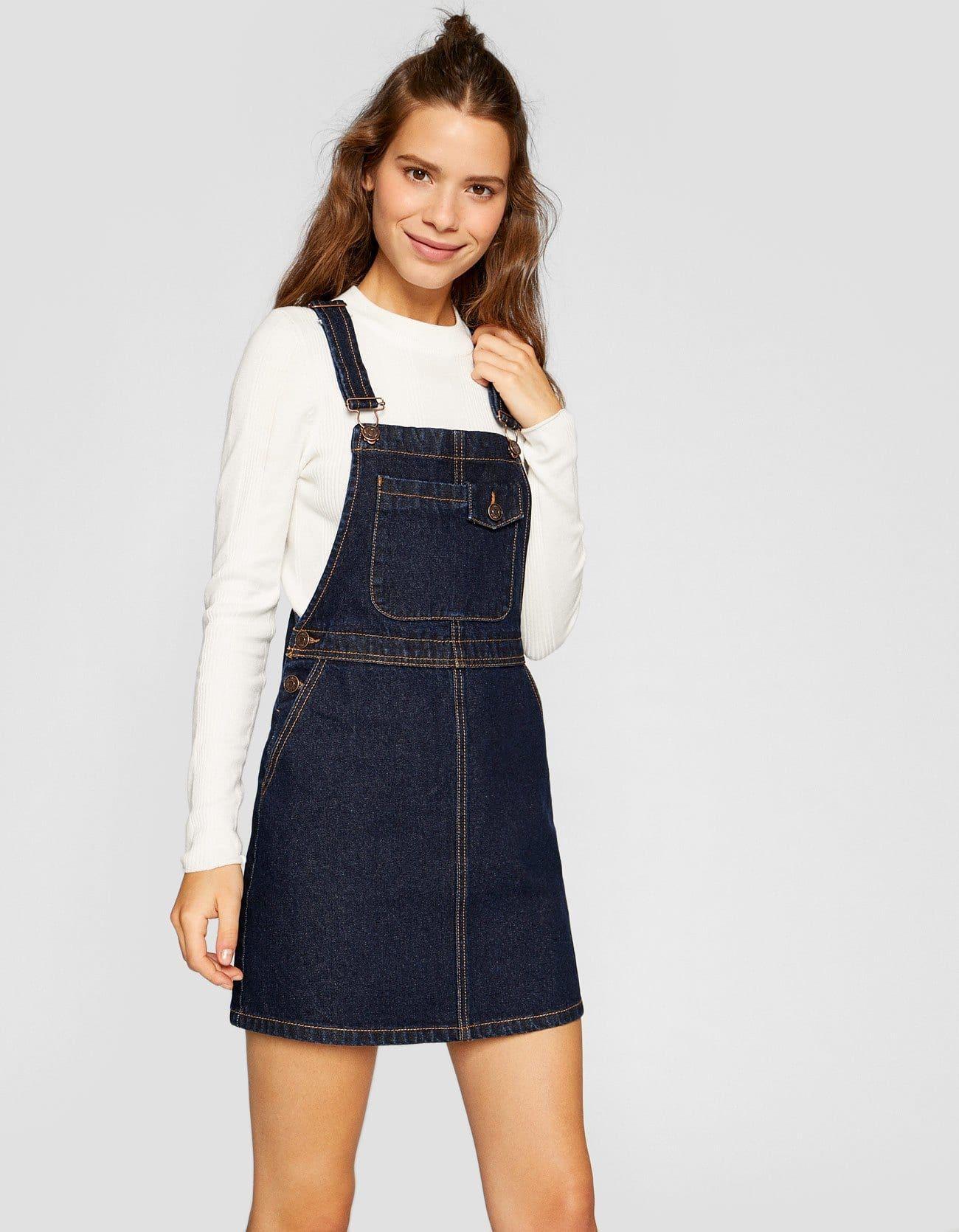 509540bb Krótka jeansowa sukienka ogrodniczka na szelkach vintage w 2019 ...