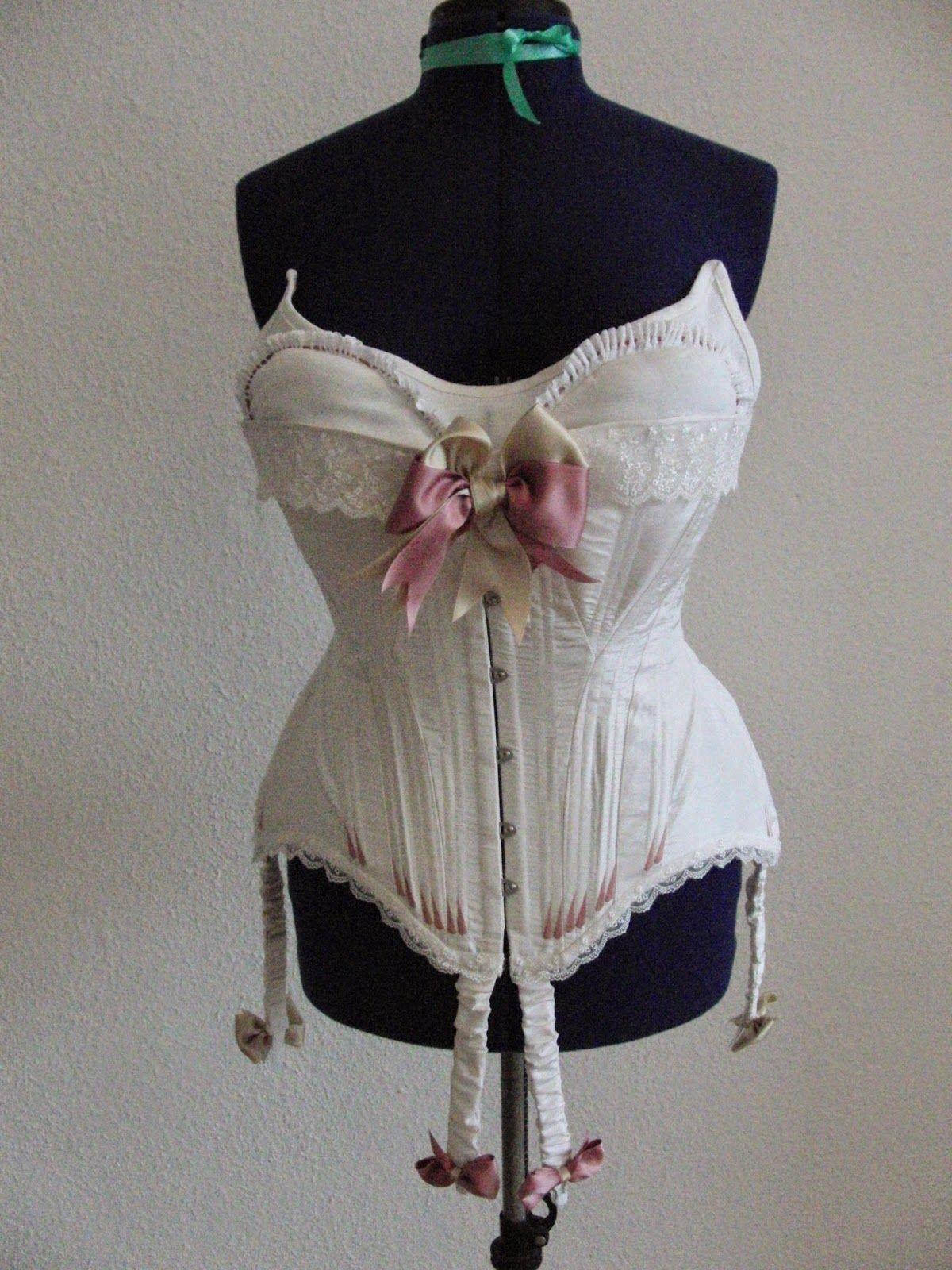 5add94fde62d Zeitenzauberin: Edwardian Underwear - Truly Victorian Edwardian corset  shown with bust improver