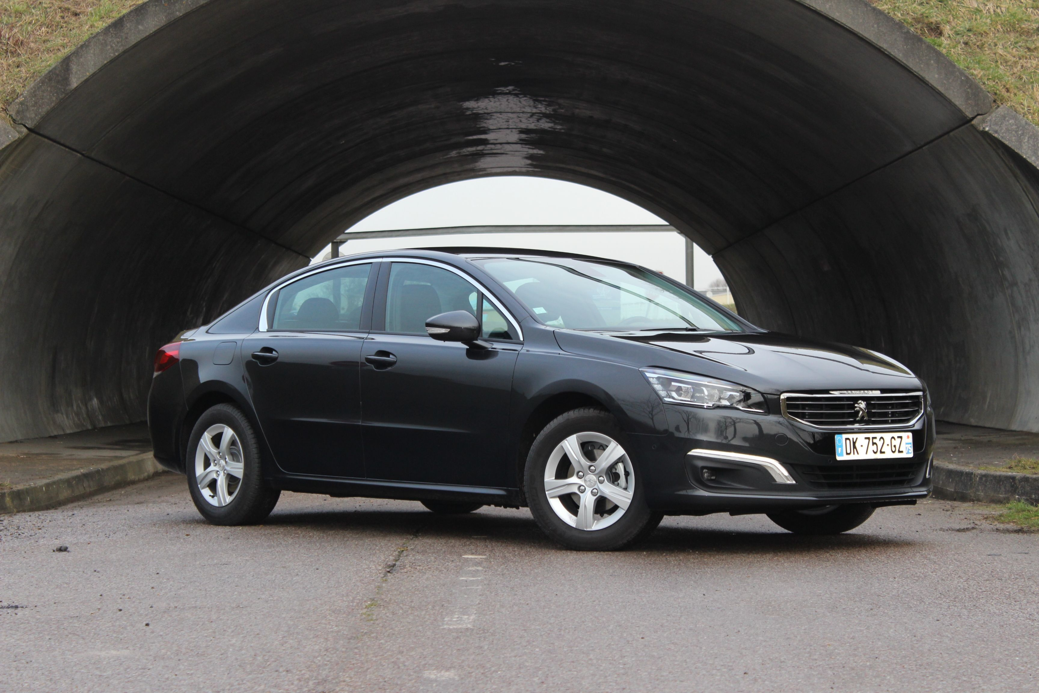 Peugeot-508-restylee-1-6-e-HDI-115-ETG6