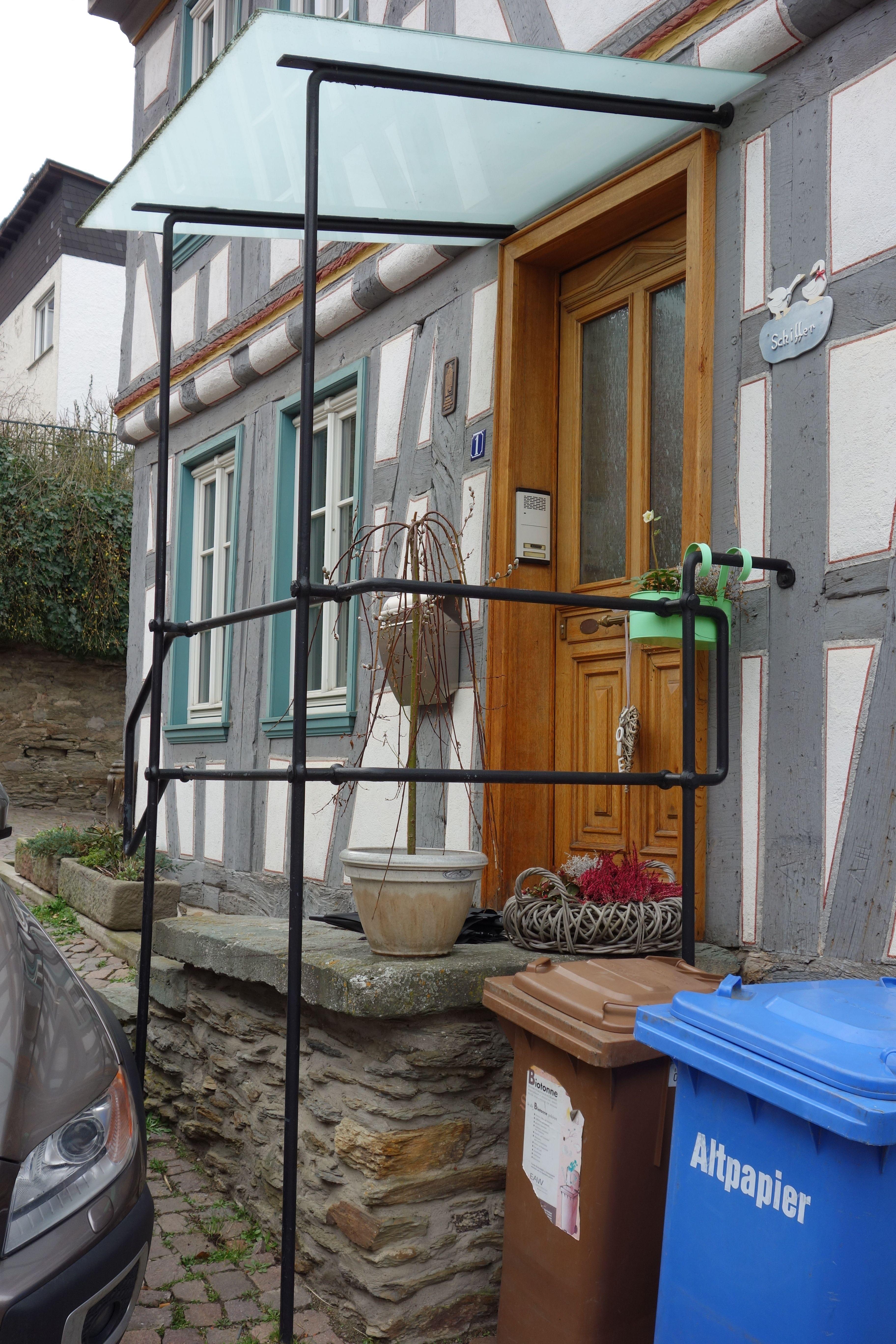 Vordach Aus Metall Glas An Fachwerkhaus In Idstein Vordach Glas Vordach Fachwerkhauser