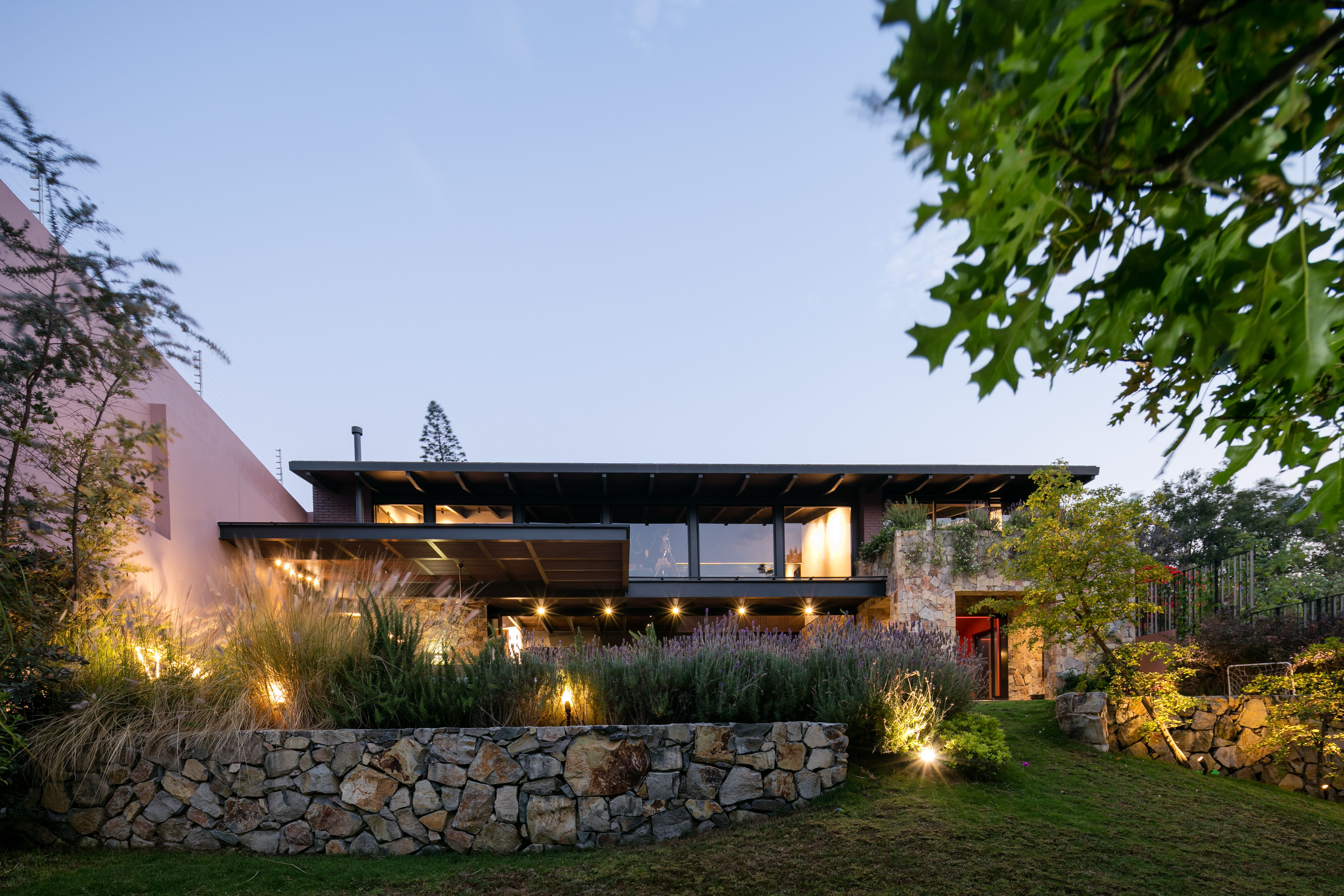 Casa OM1 by Santiago Rivero   Santiago and Modern