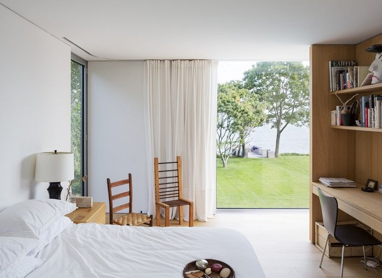 Wunderbar Helles Schlafzimmer Bodentiefe Fenster Blick Garten Gardinen