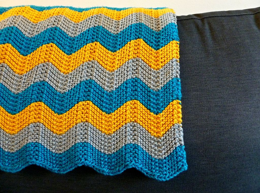 Cuddly Chevron Baby Blanket By April Klich - Free Knitted ...