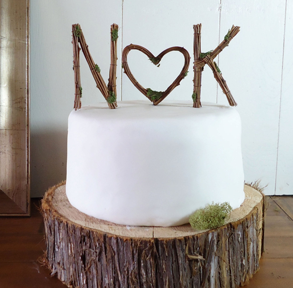 19 of the Most Creative Cake Toppers for EVERY Couple Unique