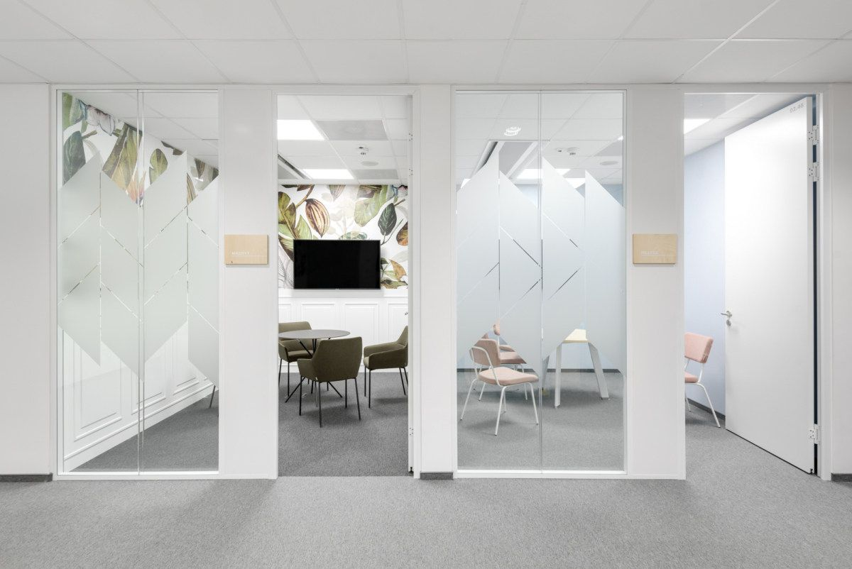 Fresenius Offices Wroclaw Office Snapshots In 2020 Office Design Concepts Workplace Design Spacious Kitchens