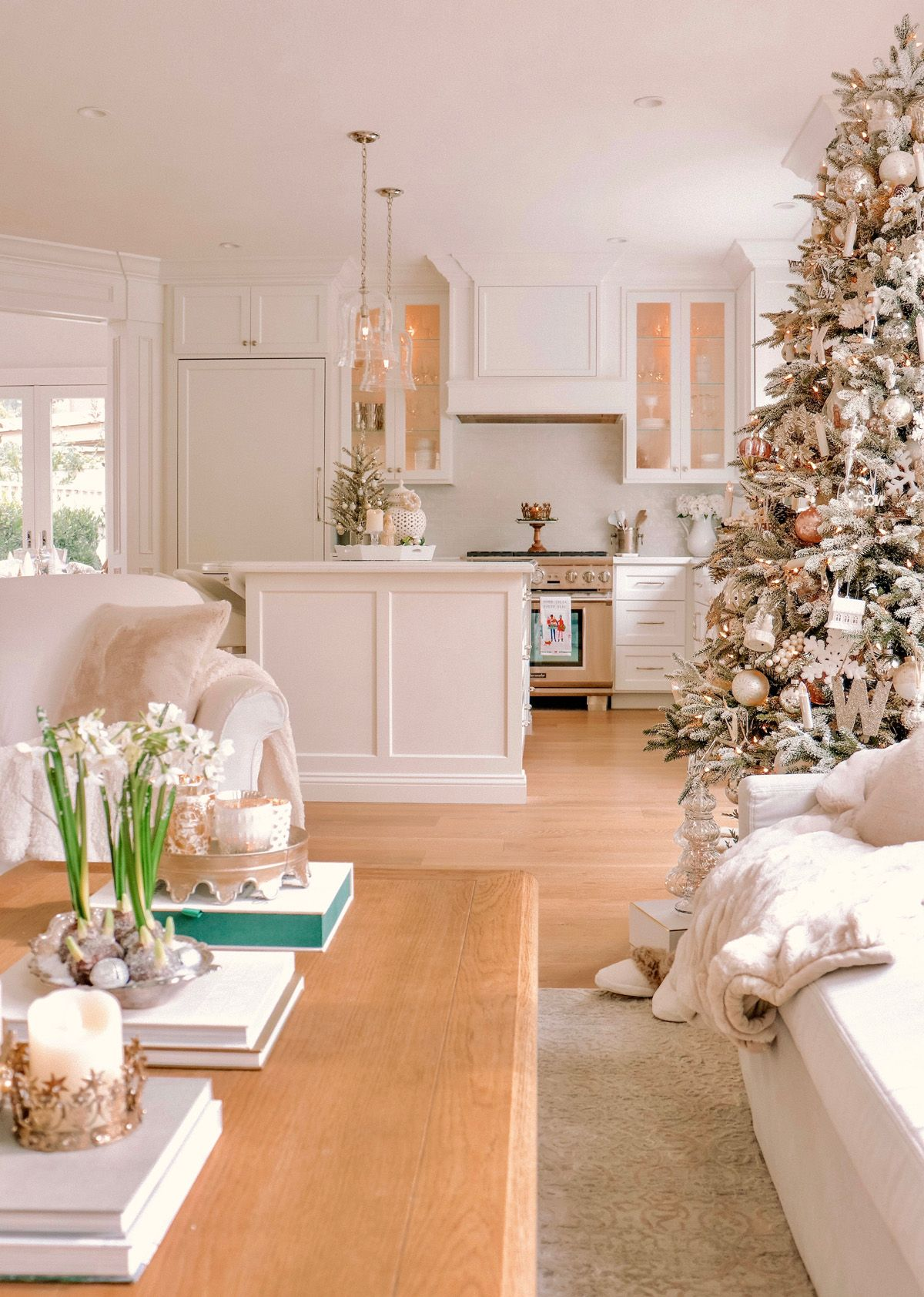 Cozy Holiday Home Decor Loveliest Looks of Christmas