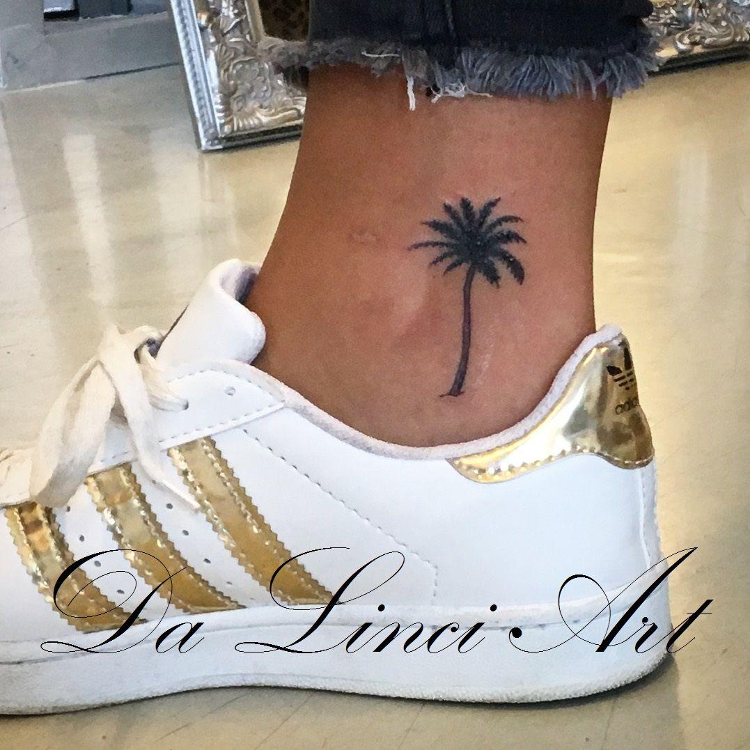 Palmtree Tattoo Made By Linda Roos Da Linci Art Zwijndrecht The Netherlands Www Dalinciart Nl Palmt Tree Tattoo Ankle Palm Tree Tattoo Ankle Palm Tattoos
