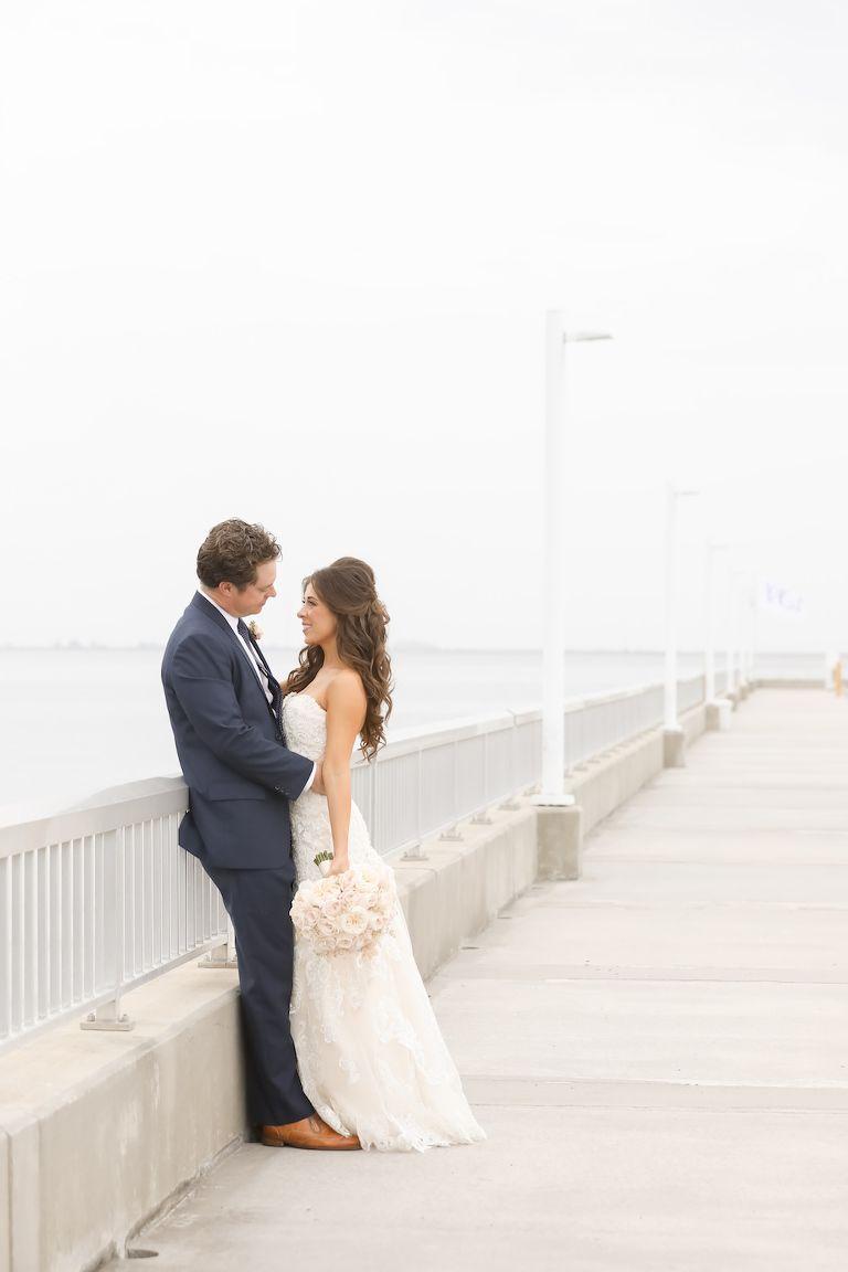 Ausgezeichnet Hochzeitsort Dressing Fotos - Brautkleider Ideen ...