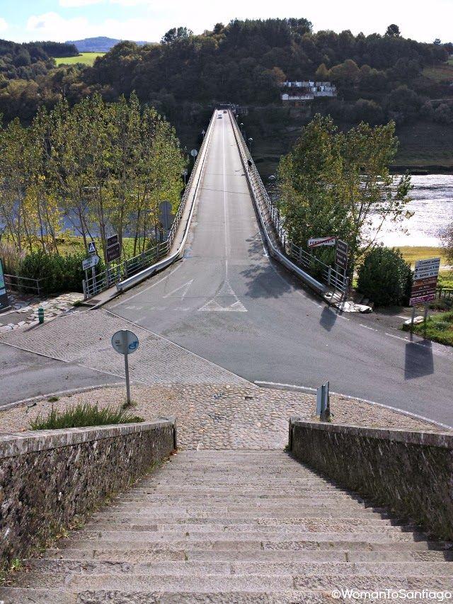 Puente nuevo de #Portomarín, #CaminodeSantiago