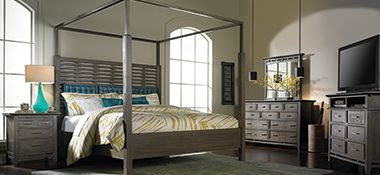 The Dump Furniture Outlet   QUEEN CANOPY BED