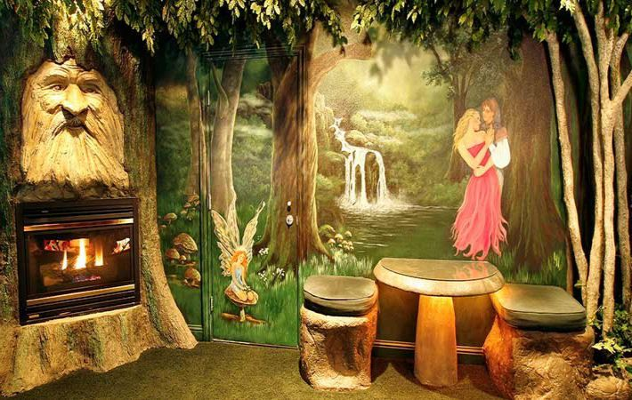 Enchanted Forest Bedroom From Http Www Blackswaninn Com