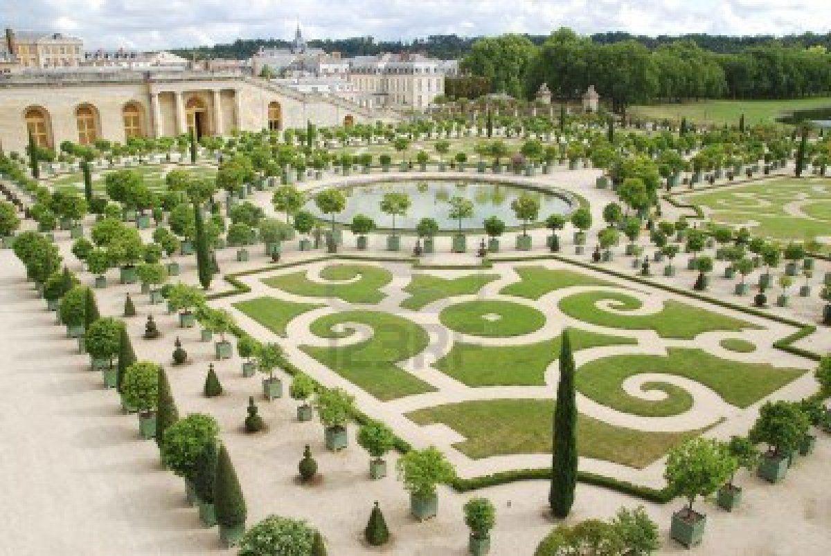 Beroemde paleis Versailles in de buurt van Parijs, met prachtige tuinen