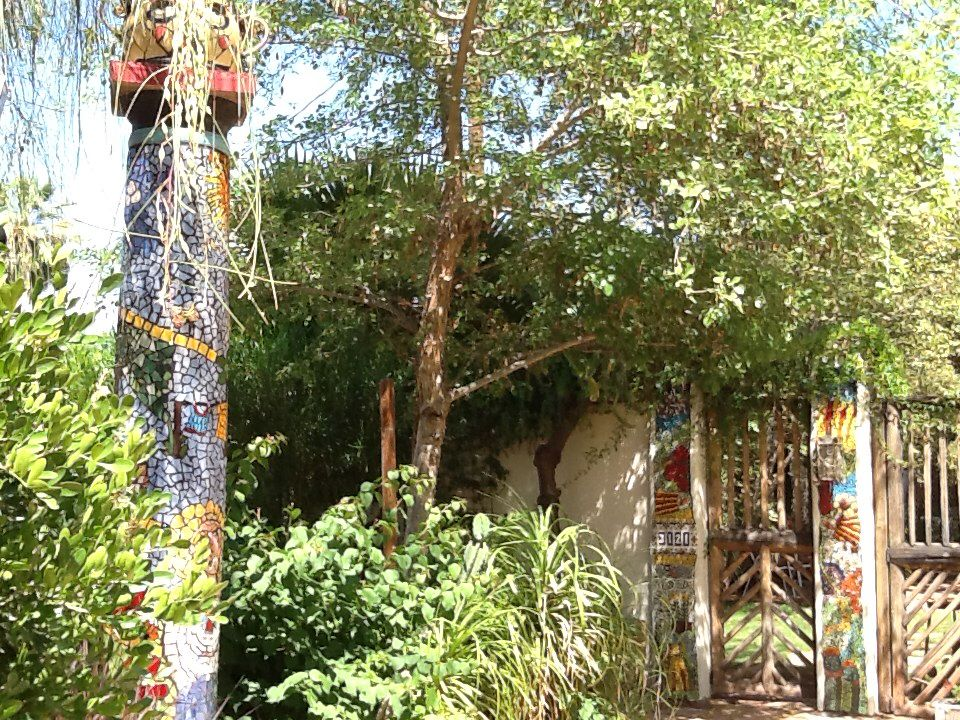 mosaics jan ghilain wolfe pillars in front of my house mexican tile 4 - Mosaic Tile House 2015