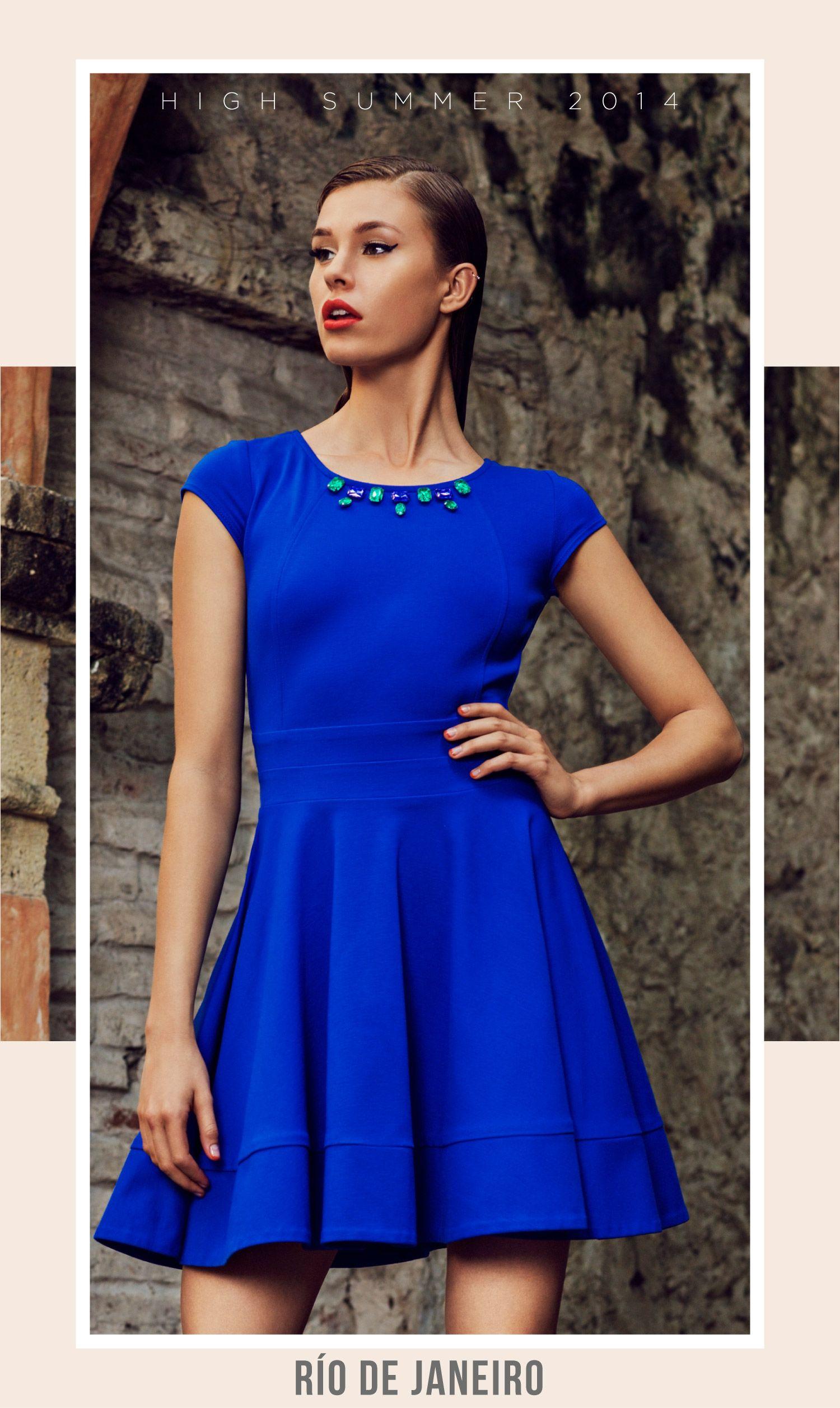Vestido corto azul cobalto
