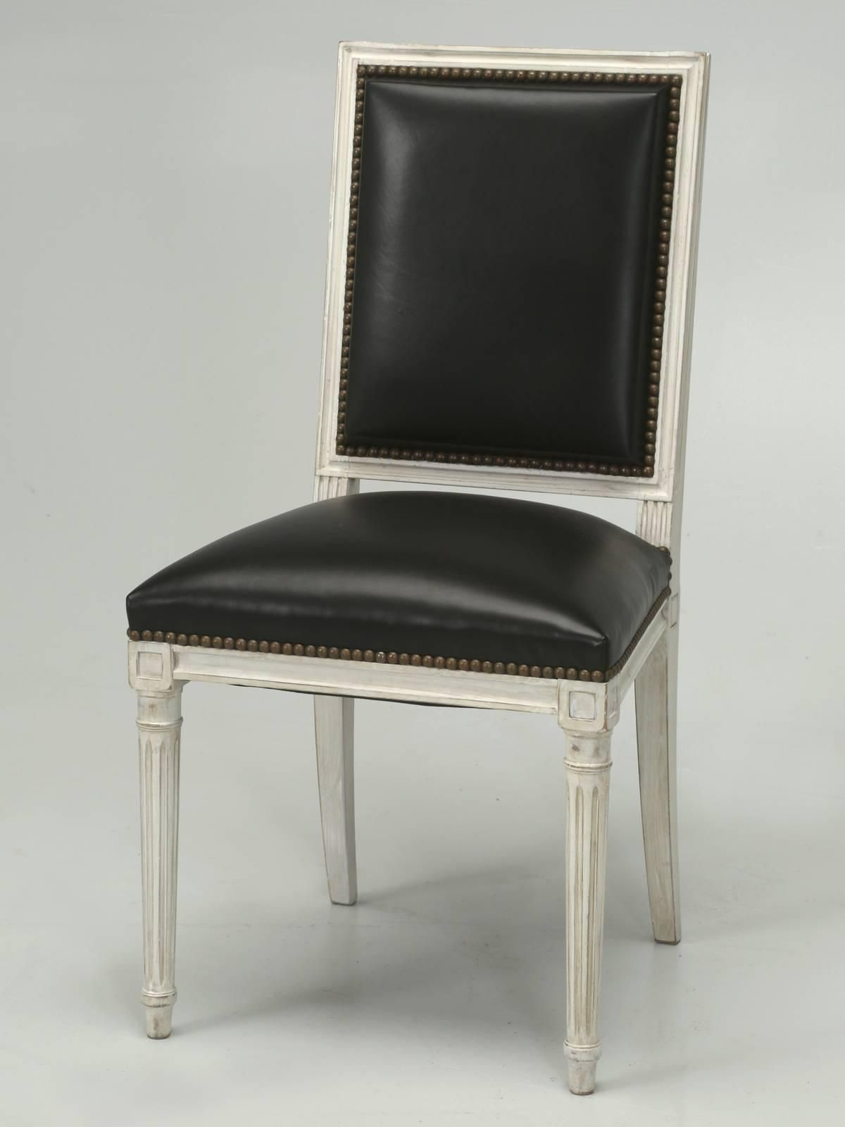 French Louis XVI Style Dining Chairs in Black Leather and Distressed White Paint For Sale at 1stdibs