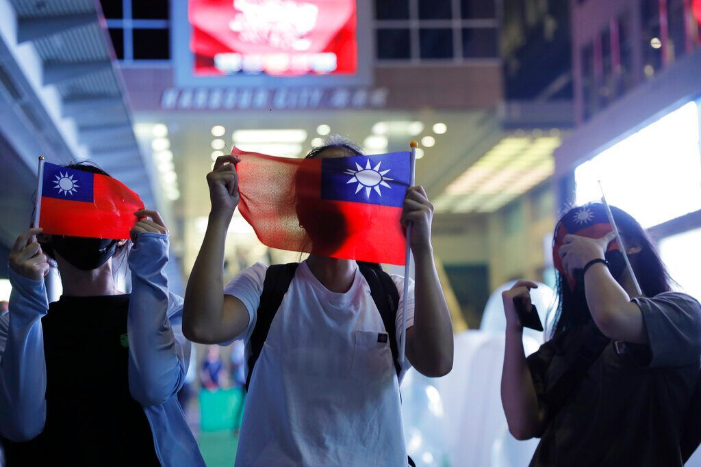 Taiwan Passport Redesign Emphasizes Independence From China New Passport Taiwan Weekend Is Over
