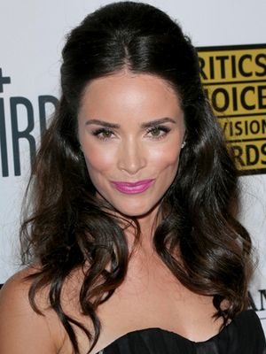 Abigail Spencer Bumpy Half Updo Hairstyle At The 2013 Critics Choice TV Awards