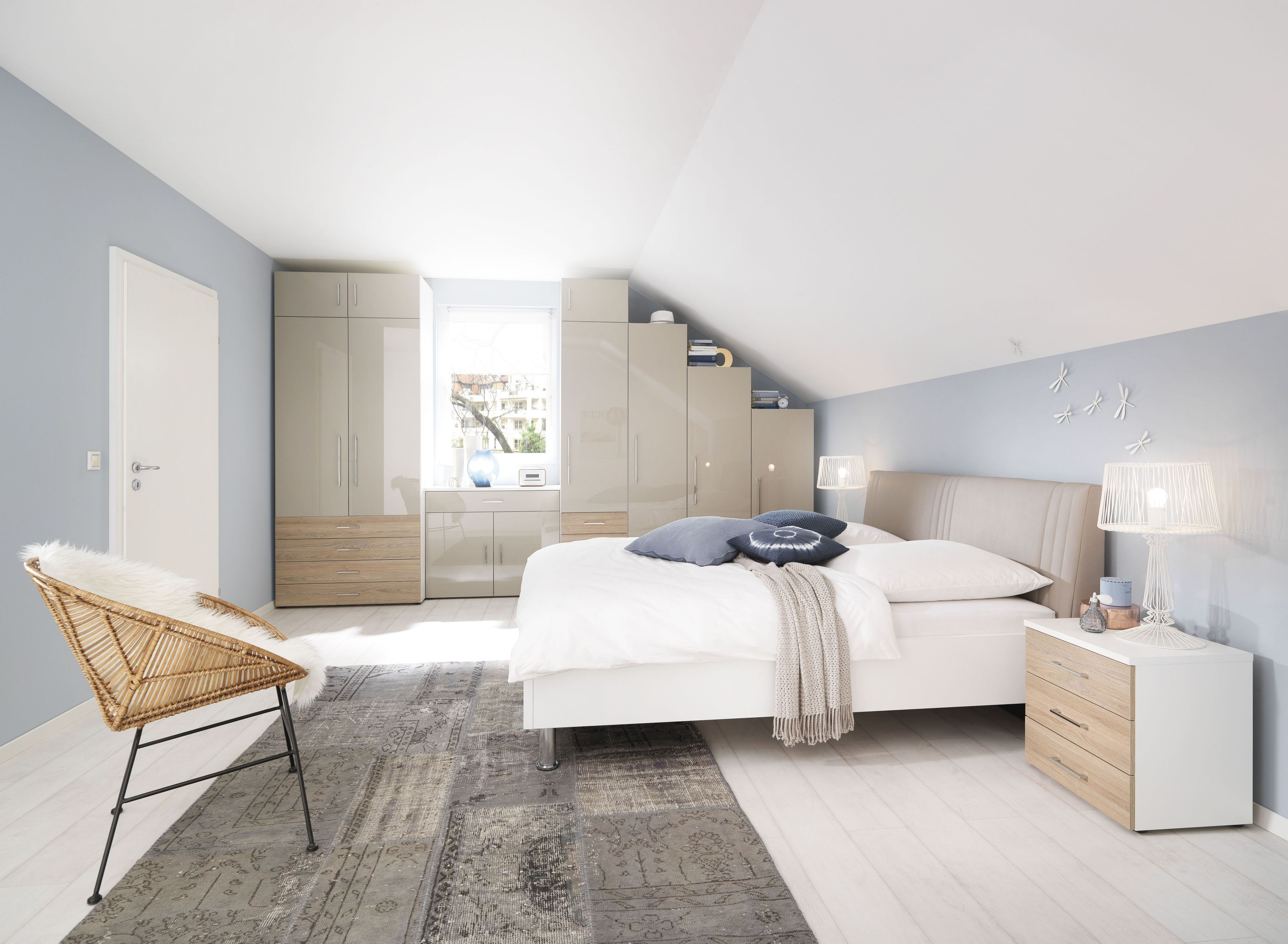 Schlafzimmer Komplett Alpinweiss Front Sandgrau Hochglanz Lackiert/  Wildeiche Struktur Nachbildung Woody 204 00160 Holz Modern Jetzt Bestellen  Unter: ...