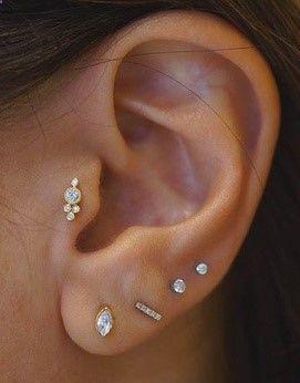 tendance les piercings aux oreilles se portent en constellation accessories pinterest. Black Bedroom Furniture Sets. Home Design Ideas