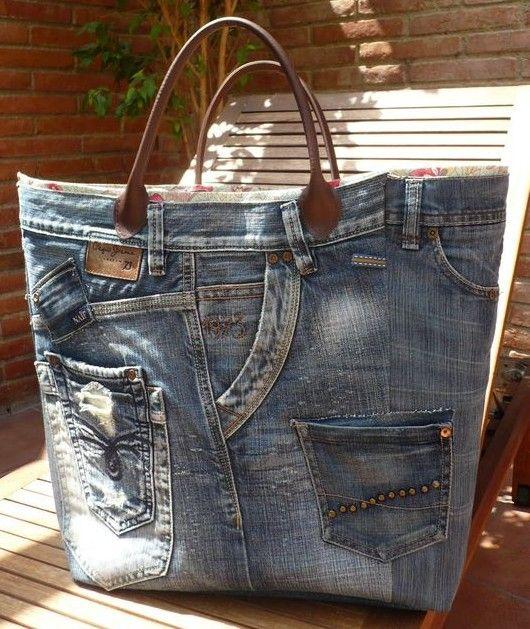 0d74830679 Come Riciclare Vecchi Jeans Creativamente, tante idee per riutilizzare il  denim borse, tappeti,