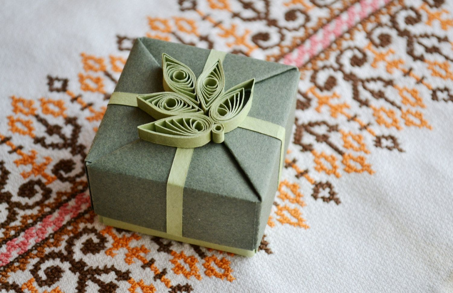 Jewelry Gift Box With Gift Tag, Origami Box With Quilling