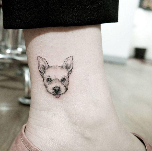 Tiny Dog By Chaehwa Idees Tatouage Animaux Artistes Tatoueurs Tatouage De Chien