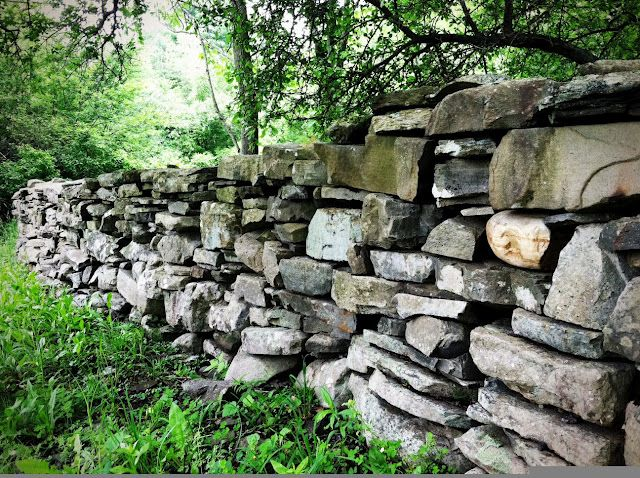 Consider Yourself At Home Set In Stone Stone Wall Stone Landscaping Old Stone