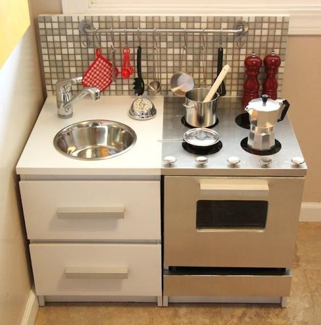 25 Ideas Recycling Furniture For DIY Kids Play Kitchen