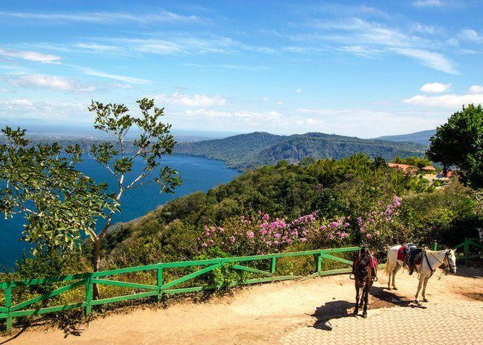 Jicaro Island Ecolodge Granada Isletas De Nicaragua Sky Outdoor Tree Vacation Mountain Tourism Landscape
