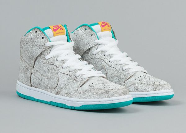 nike sb dunks flamingo