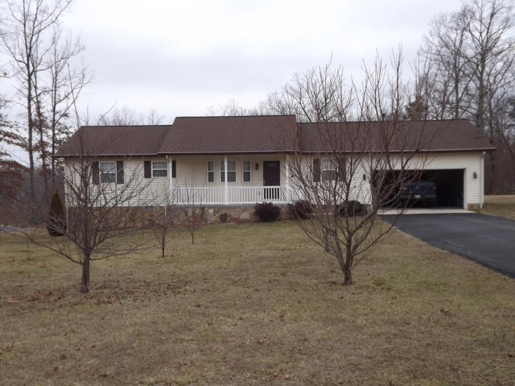 MLS 874340 Dont miss out! So many extras... Over 1400