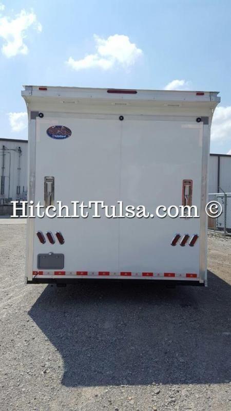 Race Trailer Oklahoma Tulsa Brand New 24 Foot United Super Hauler Gooseneck Trailer On Display At The Tu Trailers For Sale Gooseneck Trailer Truck Accessories