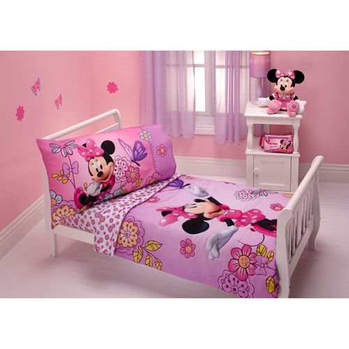 Minnie Mouse Toddler Bedroom Set: Flower Garden 4-piece Toddler Bedding Set