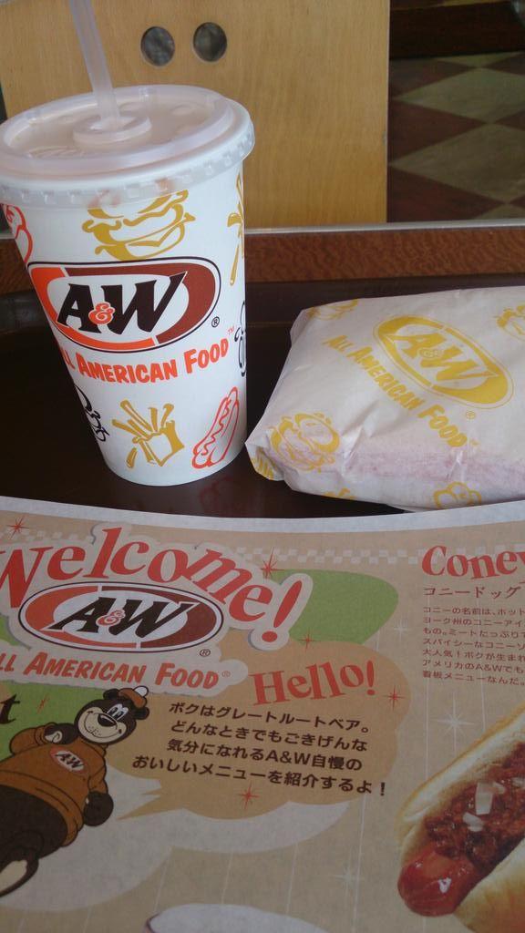 沖縄に今週末来るスタ友様におすすめしたA&Wのハムチーズサンドです。