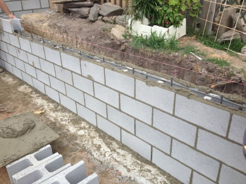 20 Garden Block Wall Ideas Simphome Cinder Block Garden Wall Cinder Block Garden Garden Wall Designs