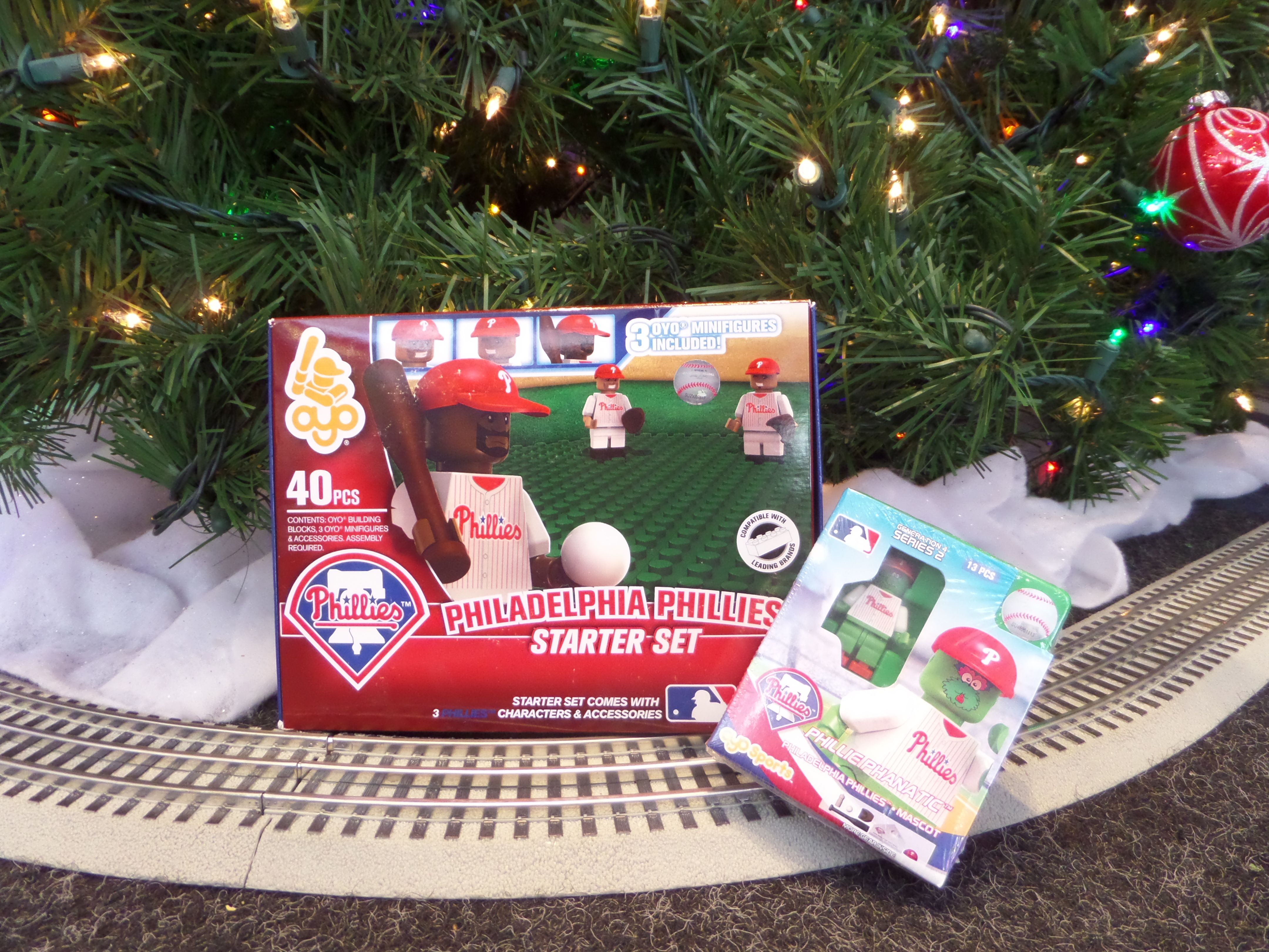 For the young and the young at hear, snag a OYO Sports Philadelphia Phillies 40-Piece Starter Set and get a free OYO player figurine, only during the Phillies 12 Days of Christmas event!
