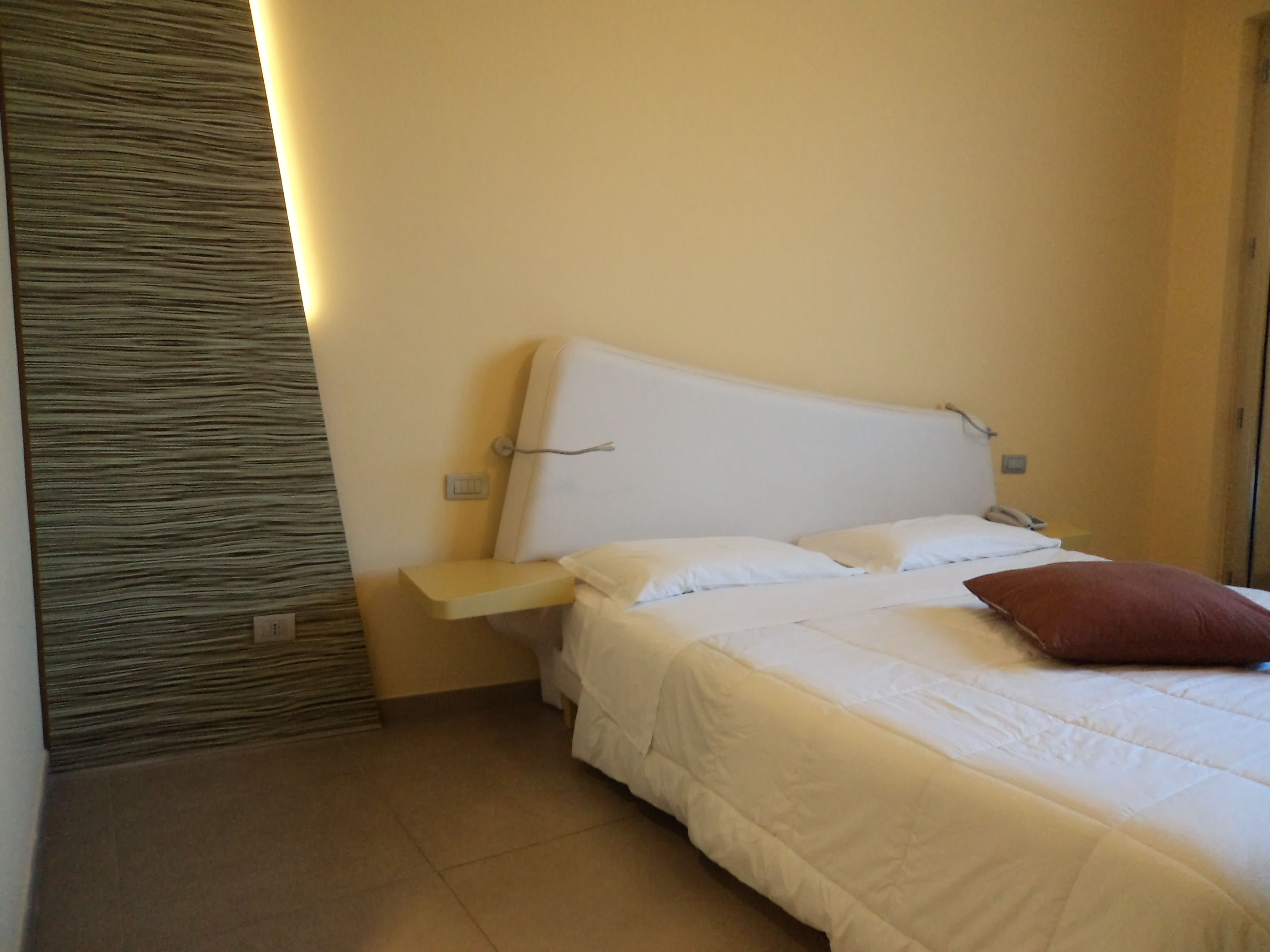Double Room. #acireale #hotel #Etnacoast #Etna #design #Catania #ibisstylescatania #happymood #ibis #hotel #hotelroom