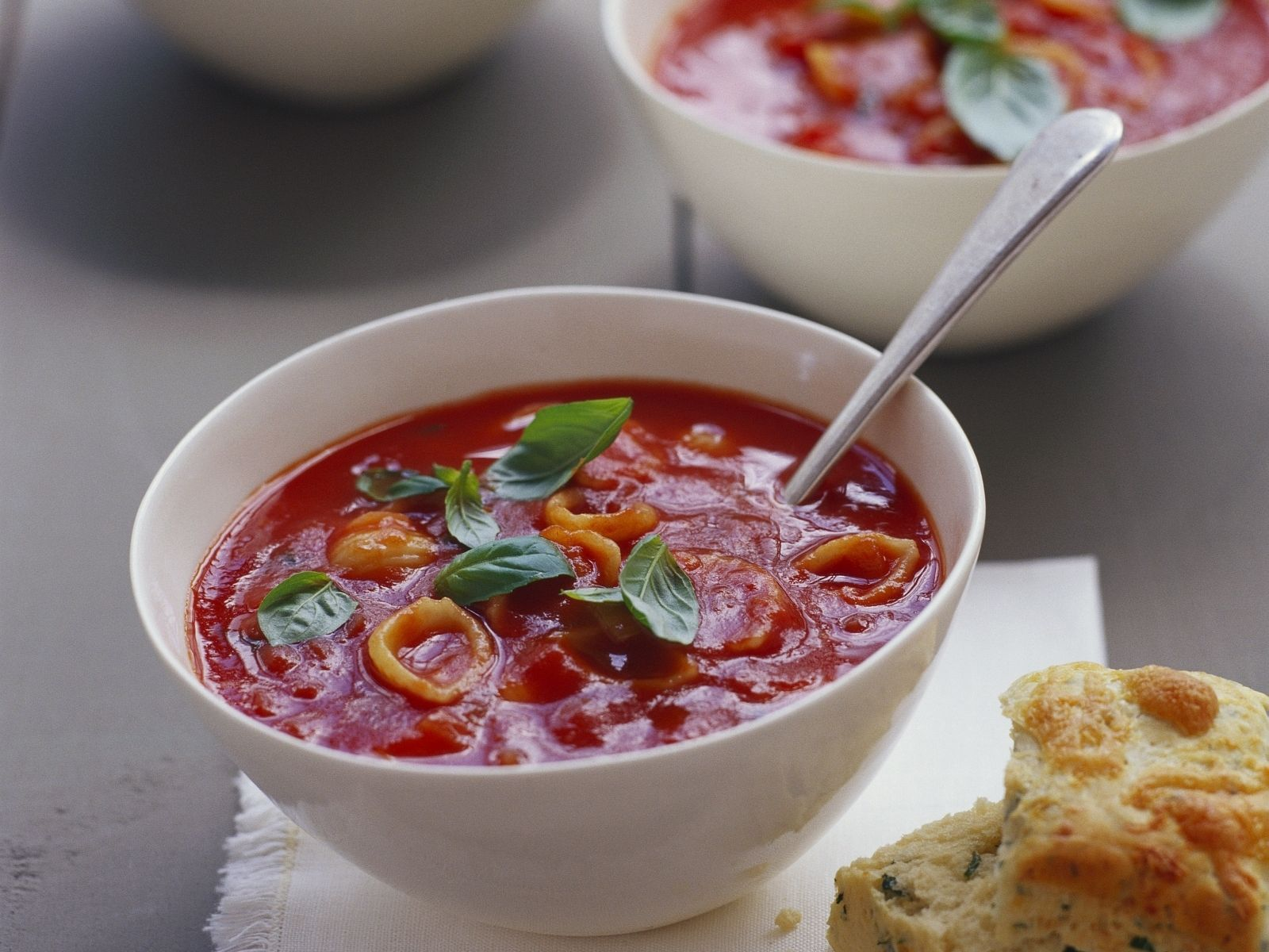 Tomatensuppe Brigitte tomatensuppe mit käse dazu kräuterbrot recipe