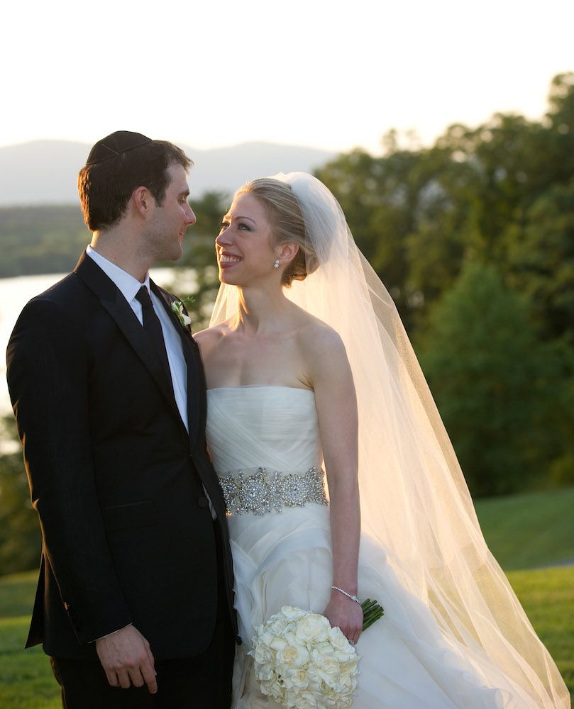 12 Best Vera Wang Wedding Dresses of All Time | Chelsea clinton ...