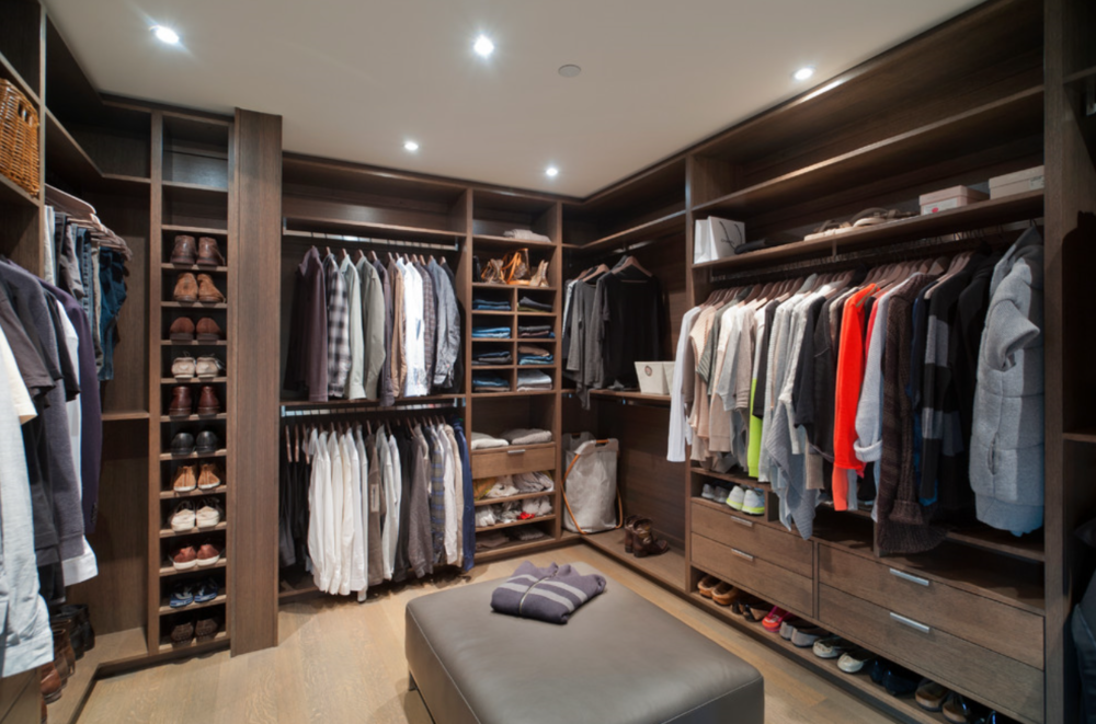 MICHAEL MOLTHAN LUXURY HOMES traditional  Walk in Closet for Men Masculine  closet design 16