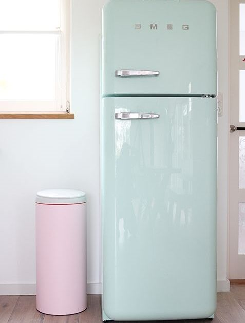 we love this pastel blue fridge interior house inspirations pinterest home d cor retro. Black Bedroom Furniture Sets. Home Design Ideas